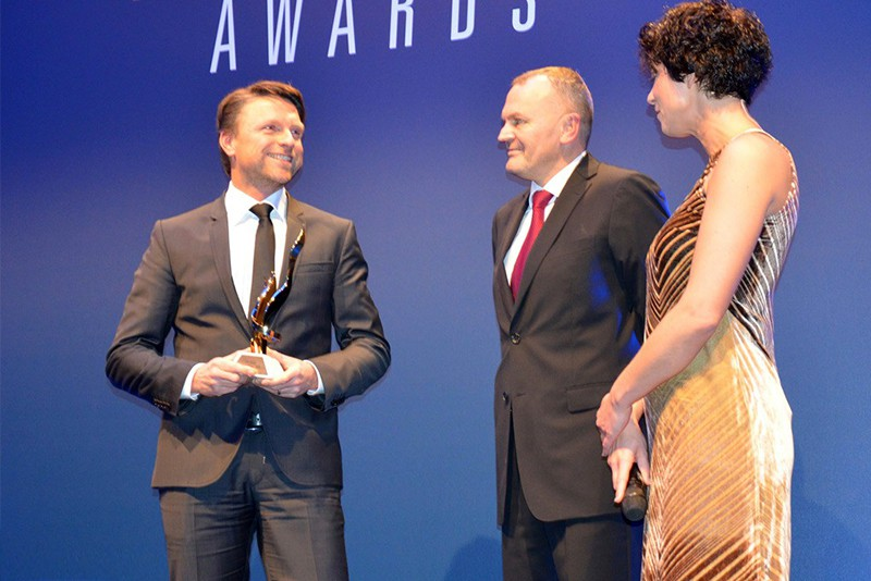 """Besonderer Moment: Auszeichnung für saatkorn. als bester """"HR Blog"""" des Jahres 2012."""