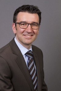 Prof. Dr. Thorsten Petry.