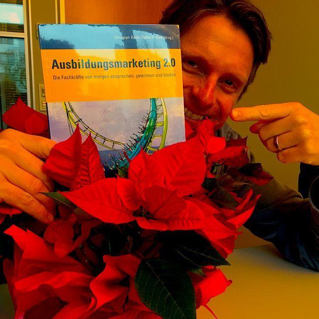 Heute im saatkorn Adventskalender: Ausbildungsmarketing 2.0. Rote Weihnachten!