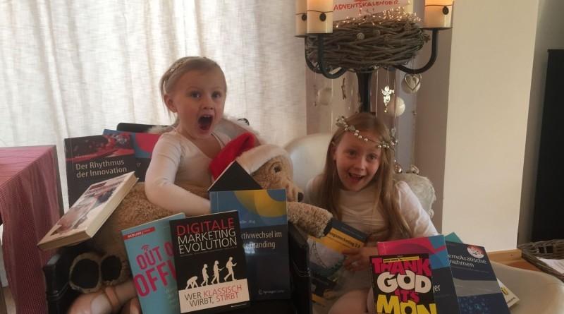 Zwei Engelchen bescheren saatkorn LeserInnen reichlich.
