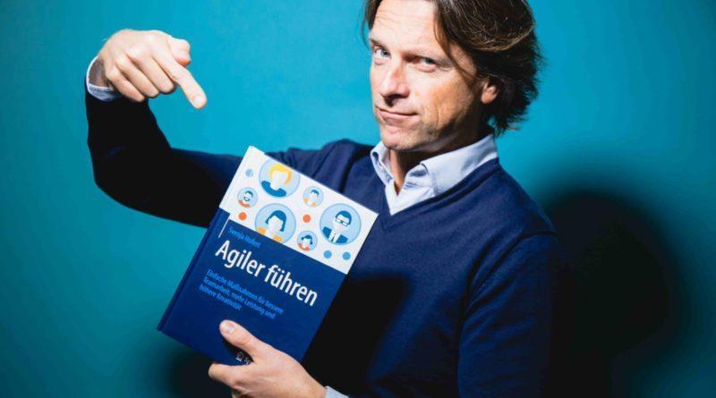 """Gewinne """"Agiler Führen"""" von Svenja Hofert."""