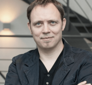 Dr. Ingo Dahm, Autor von Praxiswissen Digitalisierung