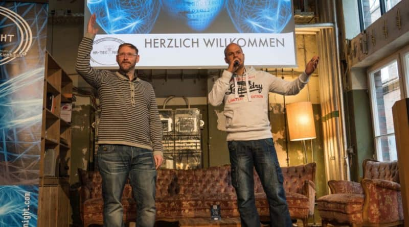 Michael Witt und Robindro Ullah auf SAATKORN zum HR TEC TALK am TRESEN Thema Workspaces